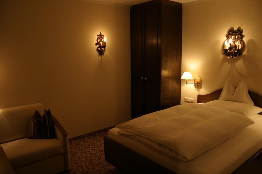 doppelzimmer-3-sterne-im-hotel-flexen-in-zuers-am-arlberg