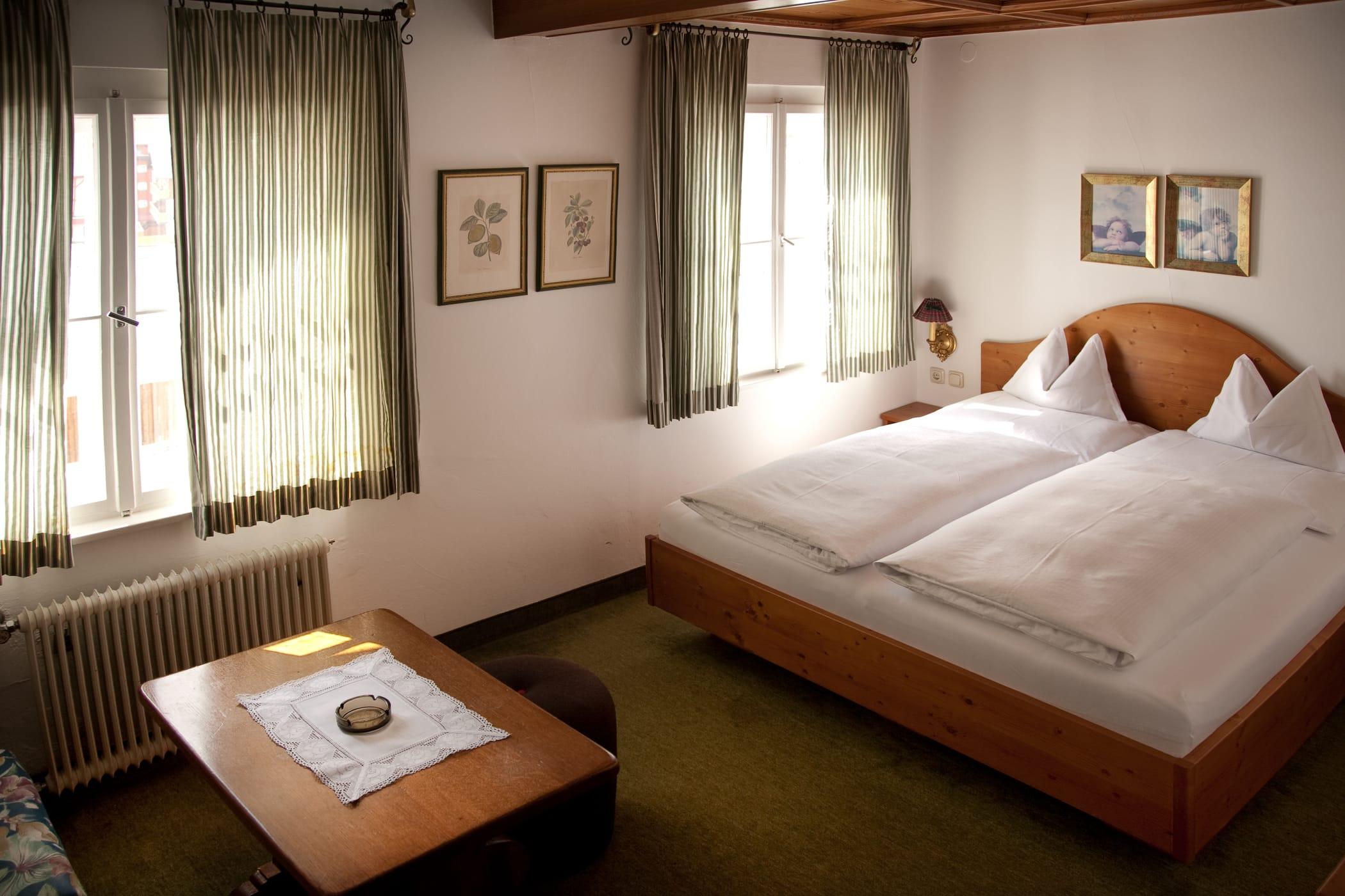 einfache-zimmer-flexen-1-hotel-flexen-zuers-am-arlberg