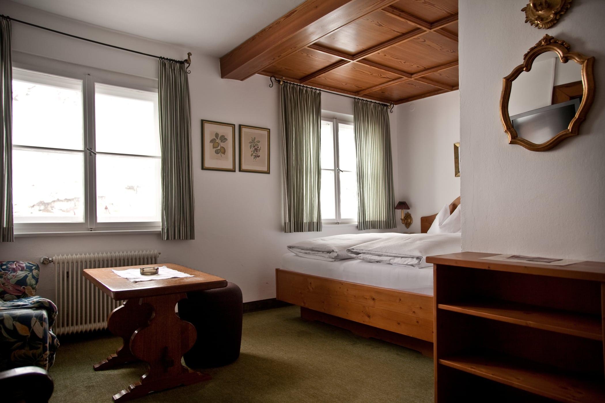 retro-3-details-schlafen-und-apres-ski-und-wohnen-hotel-flexen-zuers-am-arlberg
