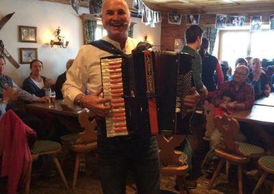 tonis-einkehr-1-mit-live-musik-apres-ski-feiern-feste-party-hotel-flexen-in-zuers-am-arlberg